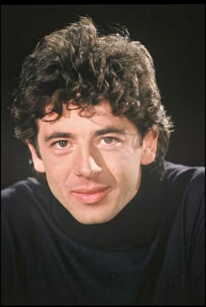 """Patrick Bruel sur le plateau de l'émission """"7 sur 7"""" en 1991"""