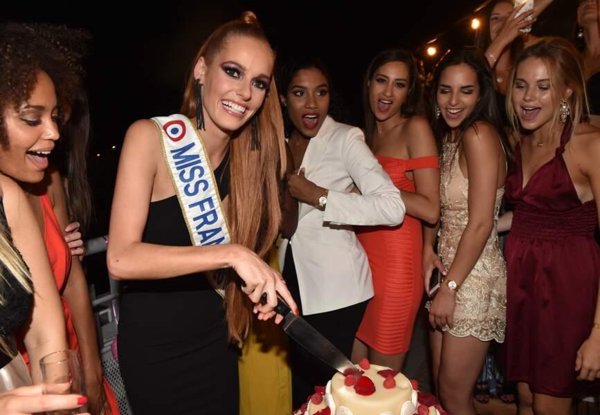 Maeva Coucke a un joli gâteau d'anniversaire
