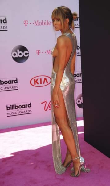 Ciara ou un autre exemple de la robe beaucoup trop ajourée