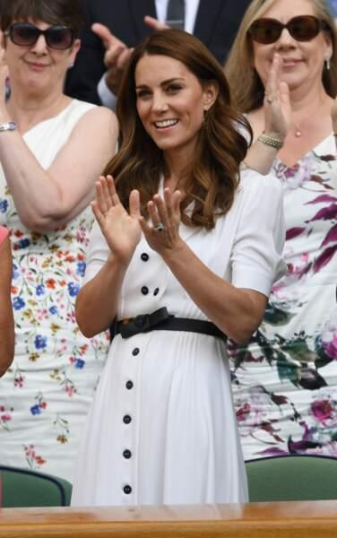 Kate Middleton était resplendissante dans les tribunes du Court Central de Wimbledon à Londres.