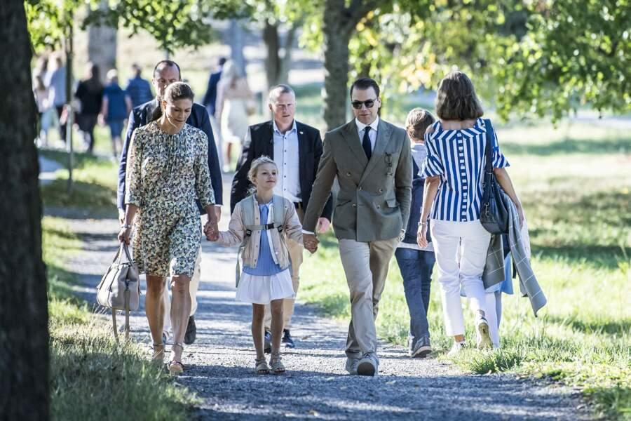 La princesse Victoria de Suède et le prince Daniel avec leur fille Estelle lors de la rentrée le 21 août 2018