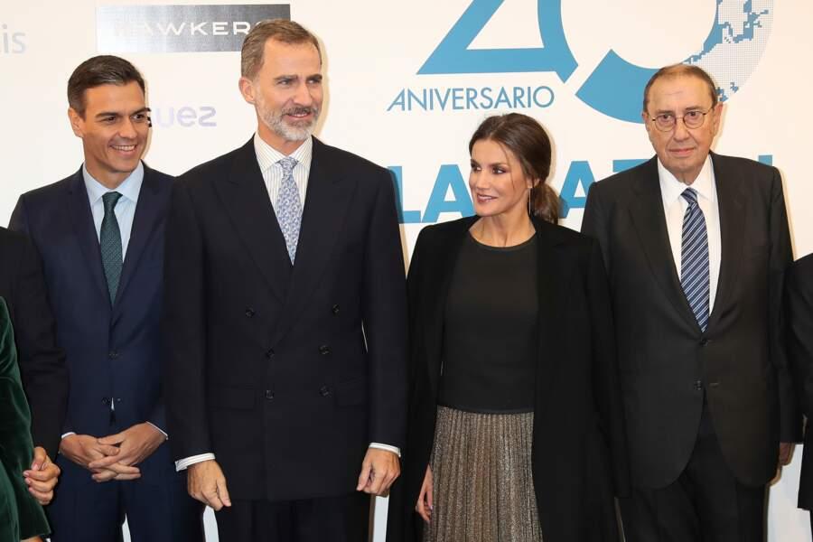 Nouveau look pour une nouvelle vie ? La reine Letizia d'Espagne parait de plus en plus moderne et stylée.