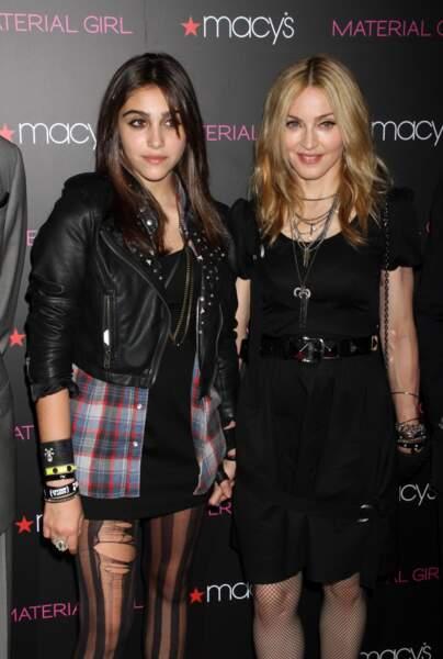 """Madonna et Lourdes Leon, lors de la présentation de la collection """"Material Girl"""" à New York en 2010"""