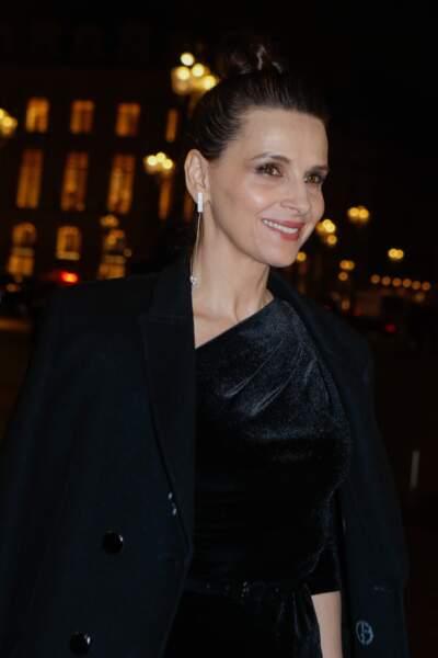 Juliette Binoche à l'hôtel d'Evreux à Paris