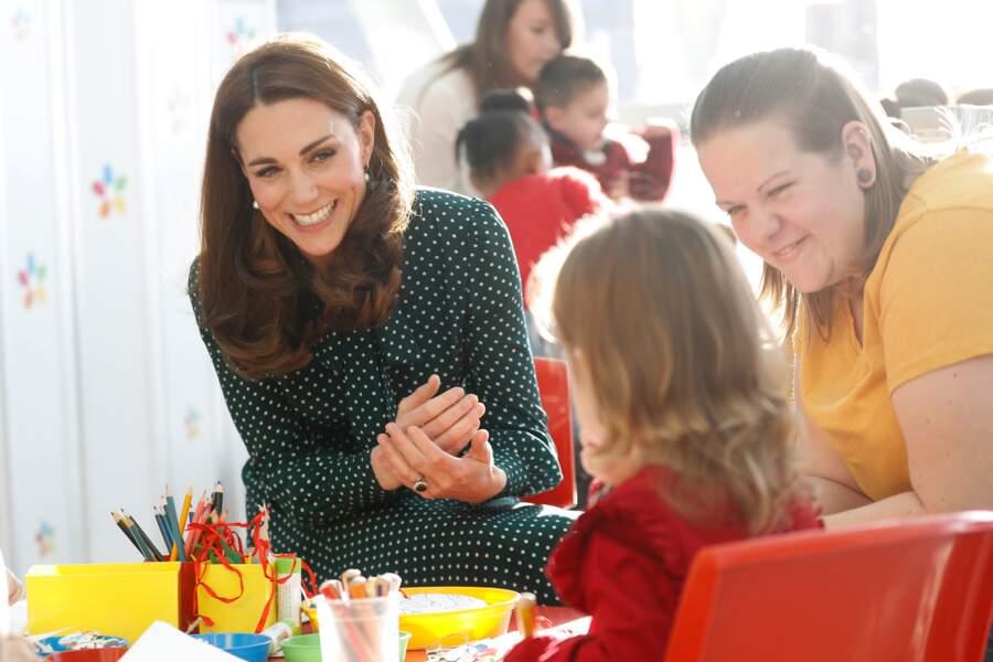 Kate Middleton en pleine visite du Evelina Children's Hospital de Londres, décembre 2018