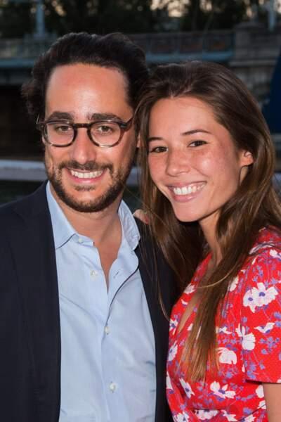 Thomas Hollande etEmilie Broussoulou, des futurs mariés heureux et souriants