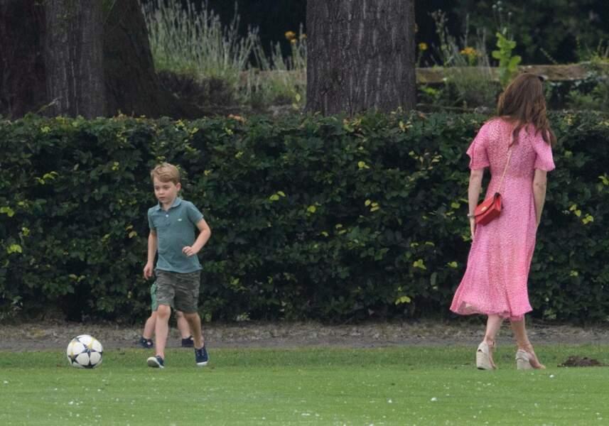 Kate Middleton veille sur ses enfants