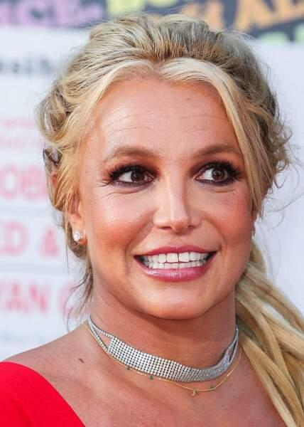 Britney Spears: u make up qui tient bon malgré la température...