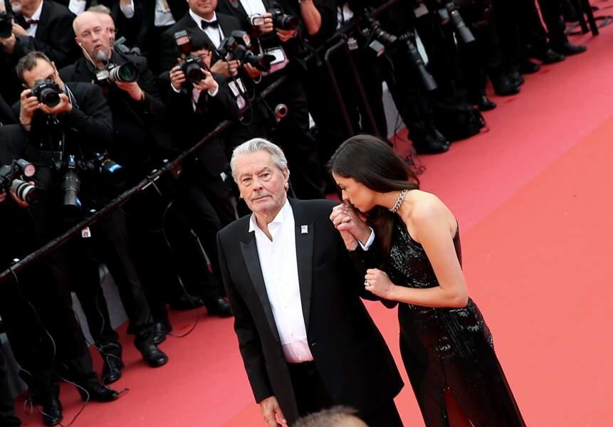 Alain Delon et Anouchka Delon affichent leur complicité lors du 72e Festival de Cannes, le 19 mai 2019