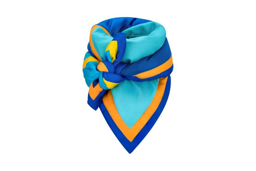 Autour du cou, on porte le foulard noué ras de cou. Carré Wave, 945 €, Louis Vuitton x Axel Israel