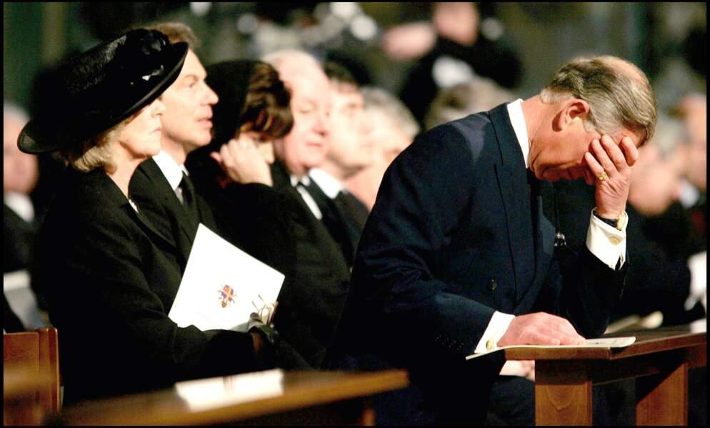Le prince Charles et Camilla Parker Bowles lors d'une cérémonie en l'honneur du pape Jean-Paul II, le 4/05/05