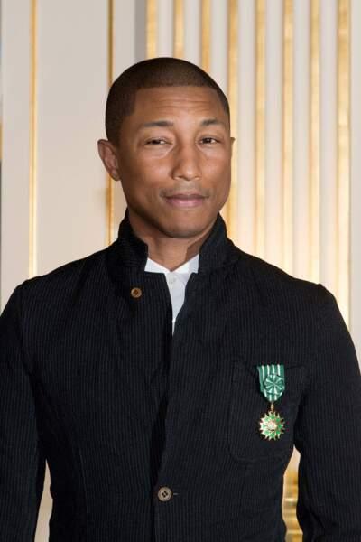Pharrell Williams et sa médaille.