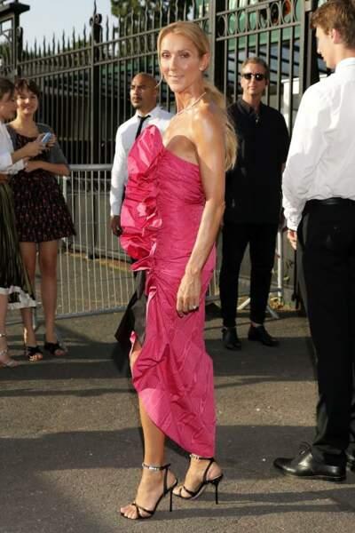 La queue-de-cheval basse de Céline Dion.