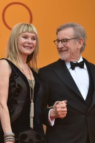 """Kate Capshaw et Steven Spielberg lors de la montée des marches du film """"Le Bon Gros Géant"""" en 2016"""