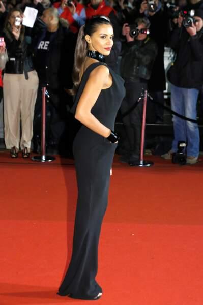 Shy'm sublime en noir à Cannes