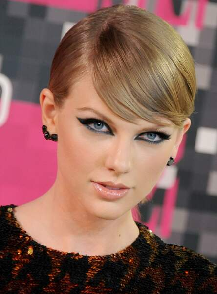 L'eye liner XXL de Taylor Swift