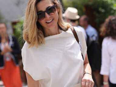 PHOTOS - Julie Gayet à Roland Garros  : casual et ombré hair pour l'actrice