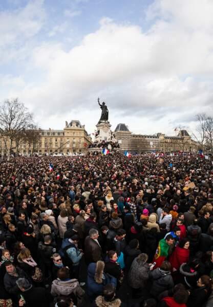 Un rassemblement monstre sur la Place de la République