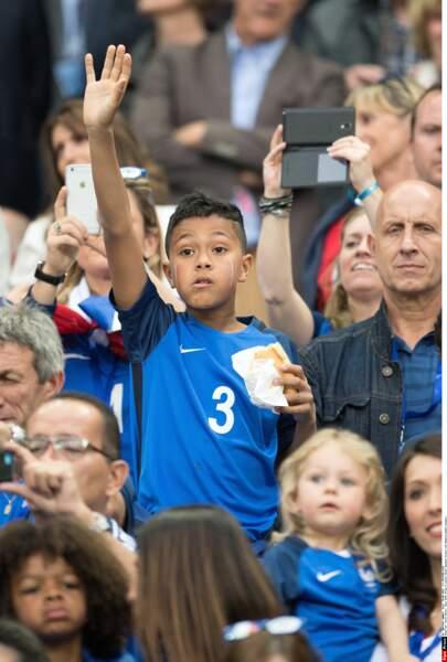 Lenny Evra, le fils de Patrice Evra, lors du match France - Roumanie pendant l'Euro 2016