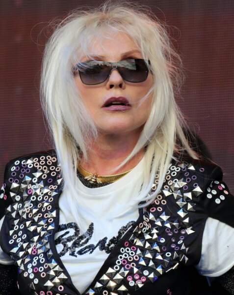 """La célèbre """"Blodie"""" Debbie Harry, aussi, passe à la tendance """"Blande"""""""