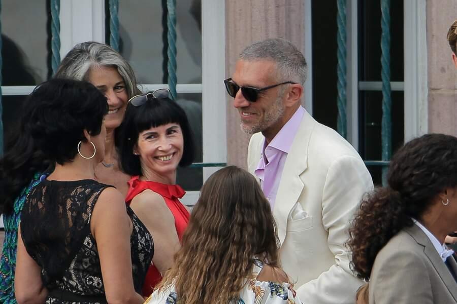 Le marié, Vincent Cassel, félicité par tous ses proches