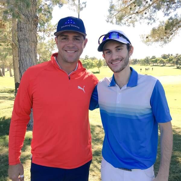 Passionné de golf, René-Charles Angélil pose avec le champion américain Gary Woodland, en novembre 2018