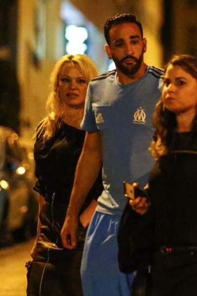 Pamela Anderson (50 ans) et son compagnon le footballeur de l'OM Adil Rami (32 ans)