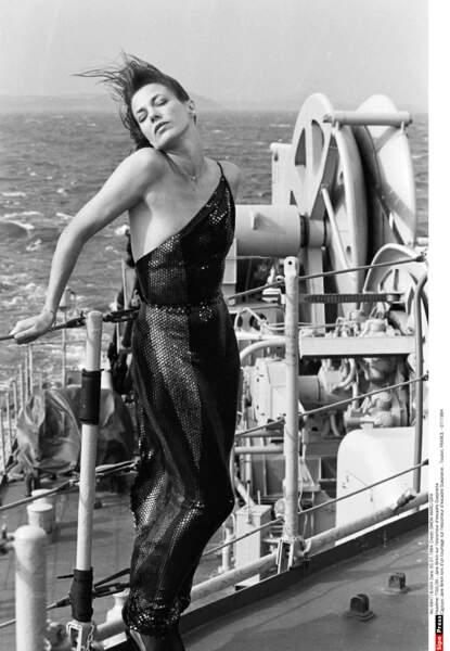 Jane Birkin lors d'un tournage sur l'escorteur d'escadre Guepratte, à Toulon en 1984