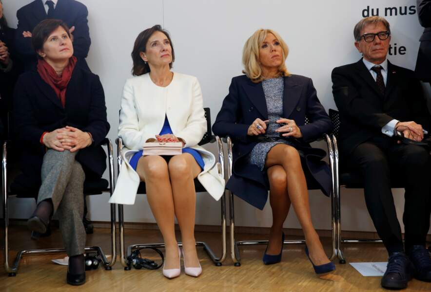 Emmanuel et Brigitte Macron visitent le Centre Georges Pompidou avec le président roumain et sa femme