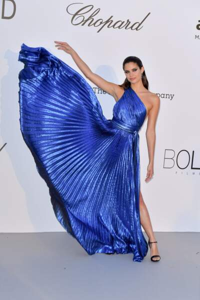 La top Sara Sampaio  en sublime robe Elie Saab