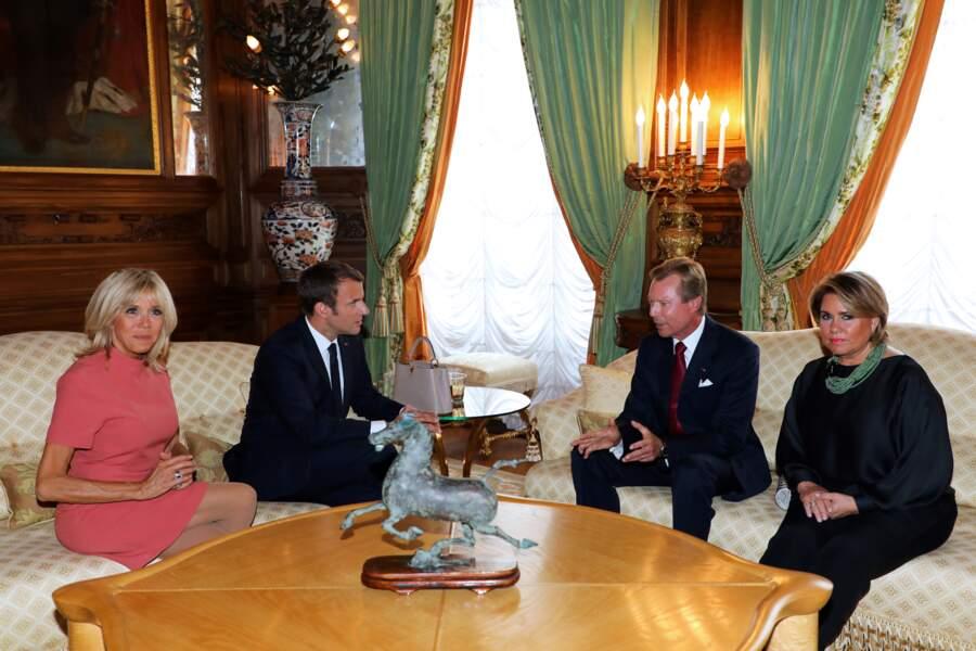 29 août 2017 : Brigitte Macron porte pour la seconde fois sa robe rose Louis Vuitton au Luxembourg