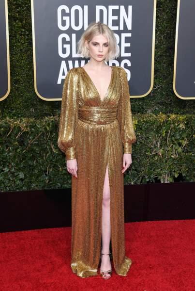 Lucy Boynton, en robe Celine by Hedi Slimane, sur le tapis rouge des Golden Globes, le 6 janvier 2019 à Los Angeles