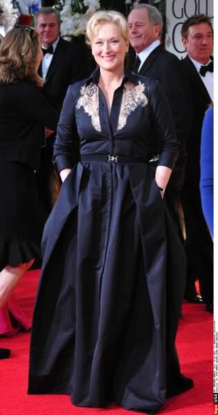 Meryl Streep hypnotisante en Alessandra Rich aux Golden Globes en Californie, le 15 janvier 2012