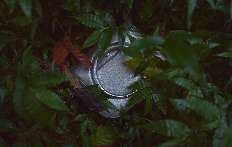 La tendance sac de la saison : la forme ronde d'un anneau rigide.