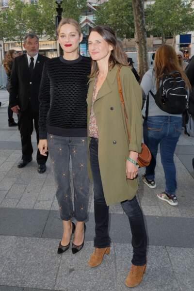 Camille Cottin très naturelle avec Marion Cotillard