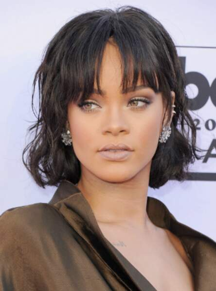 La frange effilée de Rihanna