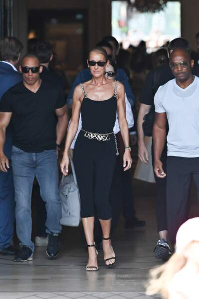 Céline Dion à sa sortie de l'hôtel de Crillon, à Paris, le 27 juin 2019