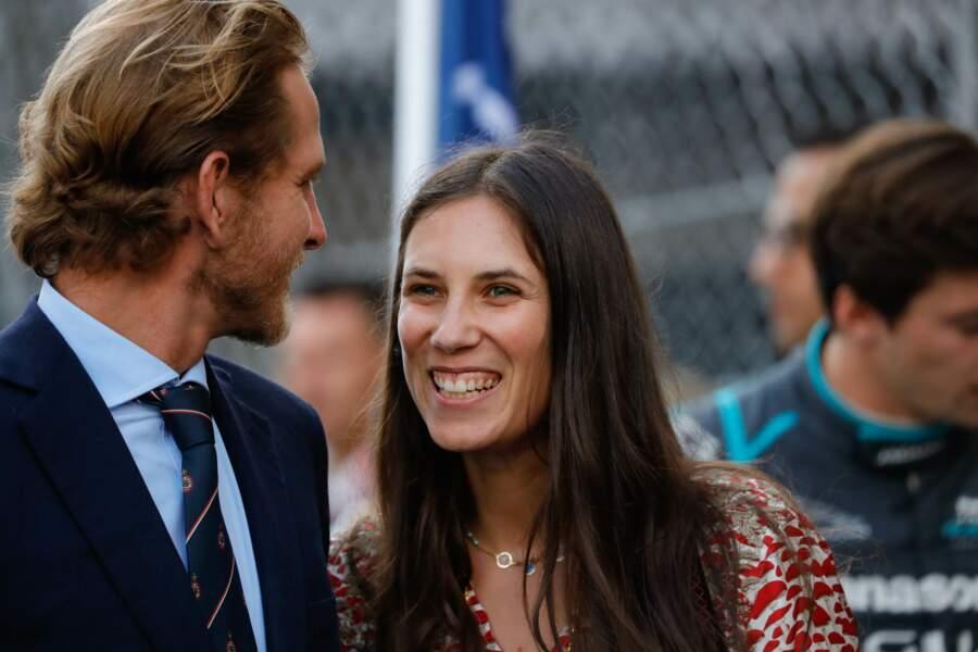Andrea Casiraghi et sa femme Tatiana riant aux éclats ce 11 mai lors du Grand Prix de Monaco de Formule-E