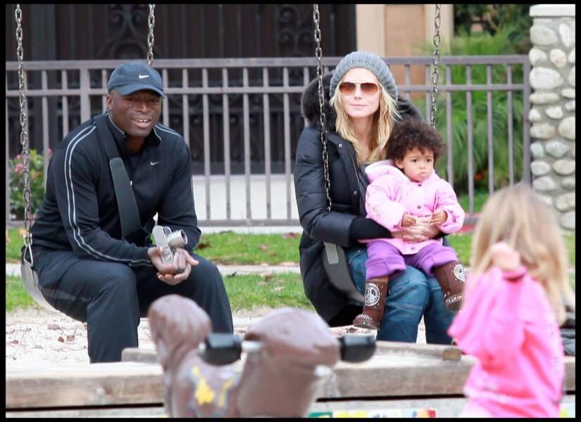 Seal , Heidi Klum et leurs enfants dans un parc à Beverly Hills en 2010