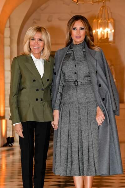 Brigitte Macron et Melania Trump aiment montrer leur complicité aux photographes