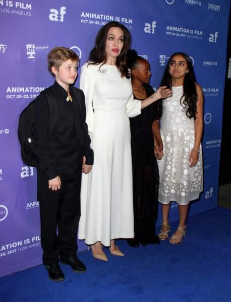 Shiloh, Angie, Zahara et l'actrice Saara Chaudry, qui prête sa voix à l'un des personnage u film d'animation