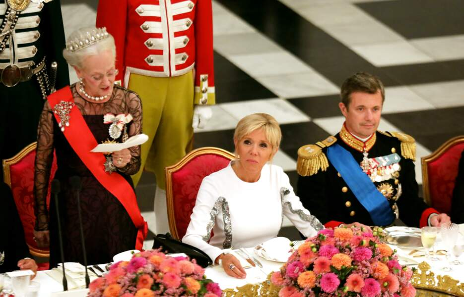 Un dîner d'Etat donné au château de Christiansborg.