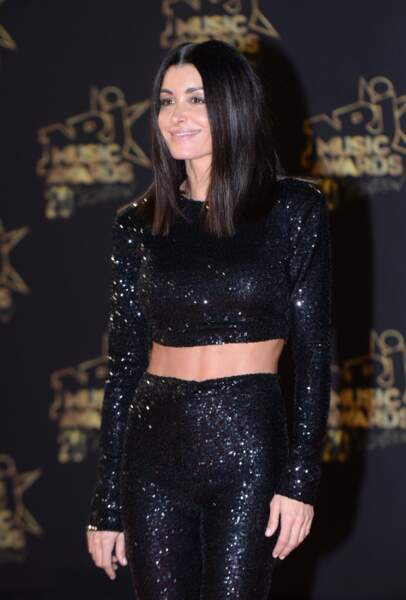 Pour sa première apparition à Cannes cette année, Jenifer avait opté pour un ensemble à paillettes.