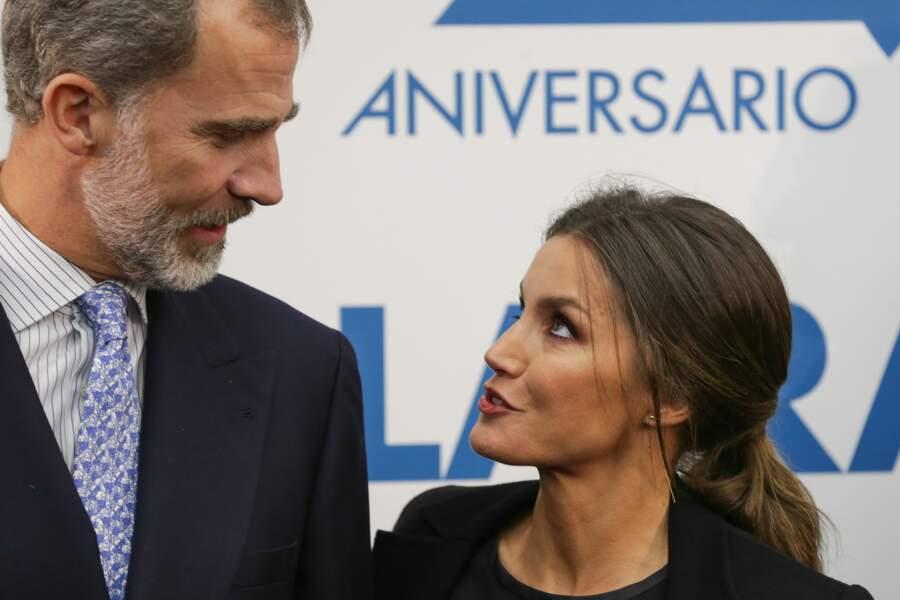 La reine Letizia d'Espagne forme un couple royal jeune, moderne et amoureux avec le roi Felipe VI.