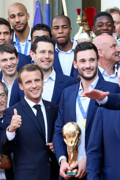 Emmanuel Macron et le capitaine Hugo Lloris.