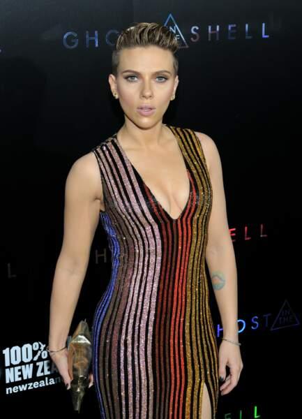 Scarlett Johansson possède un œil pastel à l'intérieur du bras