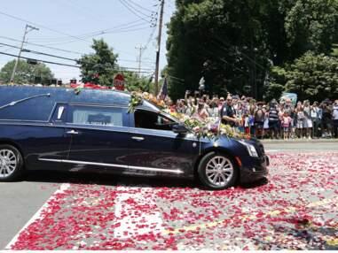 Obsèques de Mohamed Ali : Will Smith, Bill Clinton, Mike Tyson et David Beckham lui disent adieu