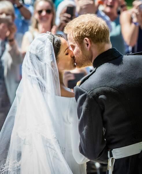 Le baiser des mariés : Meghan Markle et le prince Harry