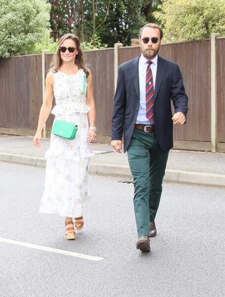 Pippa Middleton et son frère James Middleton arrivent à Wimbledon