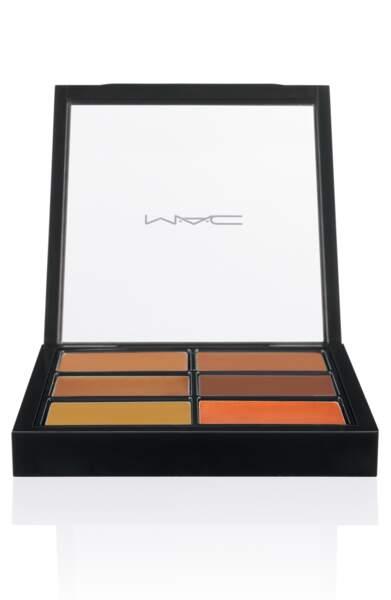 Pour un teint nickel, Iris Mittenaere a toujours la Palette Anticernes et correcteurs de Mac Cosmetics